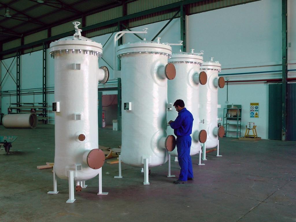 Carcasas FRP para filtros con accesorios internos en polipropileno