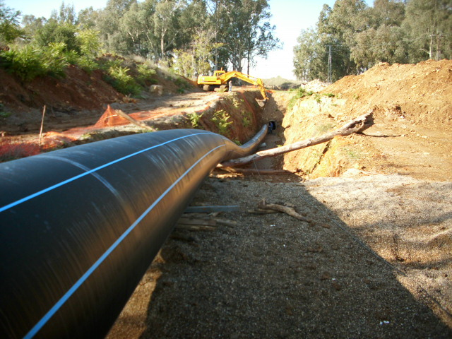 Installation of Ø1000 diameter PE100 pipe